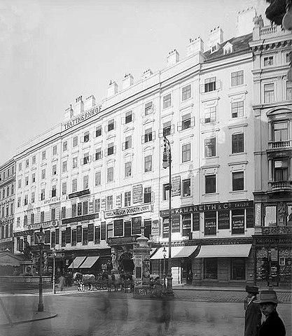 Дом Траттнера на Грабен, 1910 год. В этом доме родился сын композитора Карл Томас. Здание было снесено в 1911 году