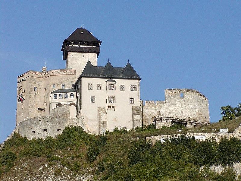 http://upload.wikimedia.org/wikipedia/commons/thumb/7/70/Trenciansky_hrad_(2007).jpg/800px-Trenciansky_hrad_(2007).jpg