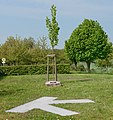 Trintange Mont-St-Étienne arbre et plaque.jpg