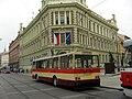 Trolejbus na tramvajovém vedení.jpg
