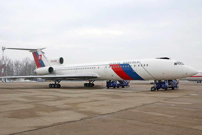 800px-Tupolev_Tu-154M_Slovak_Republic.jpg