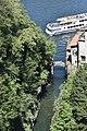 Turisti all'Orrido di Nesso.jpg
