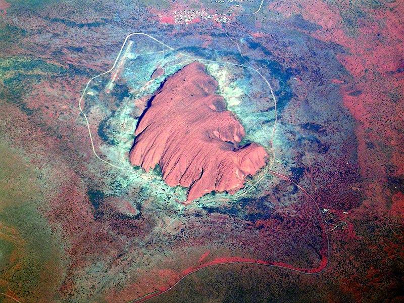 800px-Uluru1_2003-11-21.jpg
