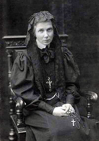 Ursula Leduhovskaya in 1907.jpg