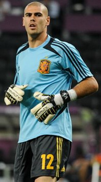 Ricardo Zamora Trophy - Víctor Valdés is the record shareholder along with Antoni Ramallets with five awards and has won the trophy four consecutive times from 2009 to 2012.