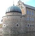 Vadstena slott, nordvästra hörnet, juni 2005.jpg