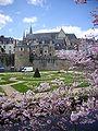Vannes tour-Poudrière+cathédrale.JPG