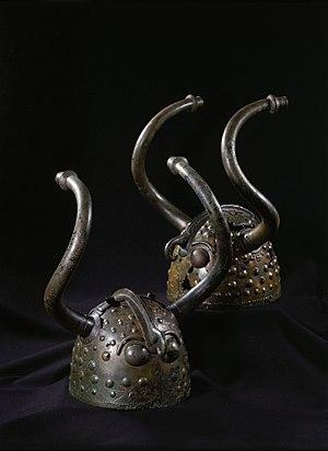 Veksø helmets - Image: Veksø hjelmene DO 2348 original