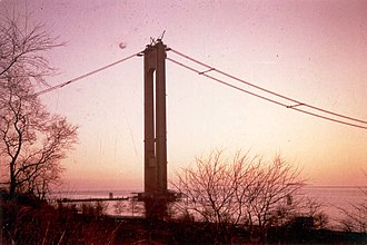 Verrazzano-Narrows Bridge - Tower and cables during construction without risers or roadbed