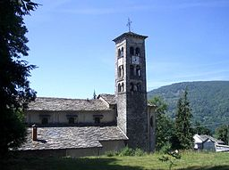 Vico Canavese chiesa parrocchiale.jpg