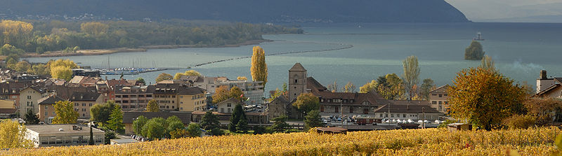 http://upload.wikimedia.org/wikipedia/commons/thumb/7/70/Villeneuve_2006.11pan_002.jpg/800px-Villeneuve_2006.11pan_002.jpg