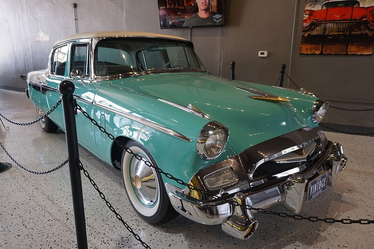 File:Vintage Car Museum & Event Center May 2017 11 (1955 Studebaker ...