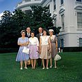 Visitors at the White House (14990686805).jpg