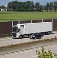 Volvo-Sattelschlepper -- Autobahn 4 bei Eschweiler.JPG