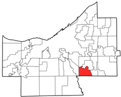 Location of Walton Hills in Cuyahoga County