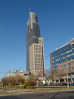 Warsaw Trade Tower 112005.JPG