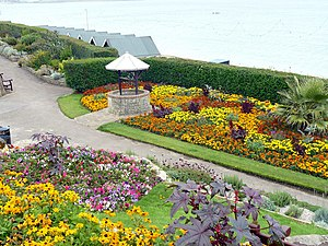 Greenhill Gardens, Weymouth - Greenhill Gardens and the Wishing Well.