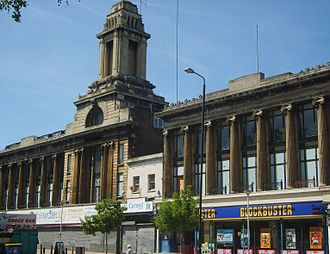Holdout (real estate) - Wickhams Department Store, Mile End Road, built around the Spiegelhalter jewellers shop