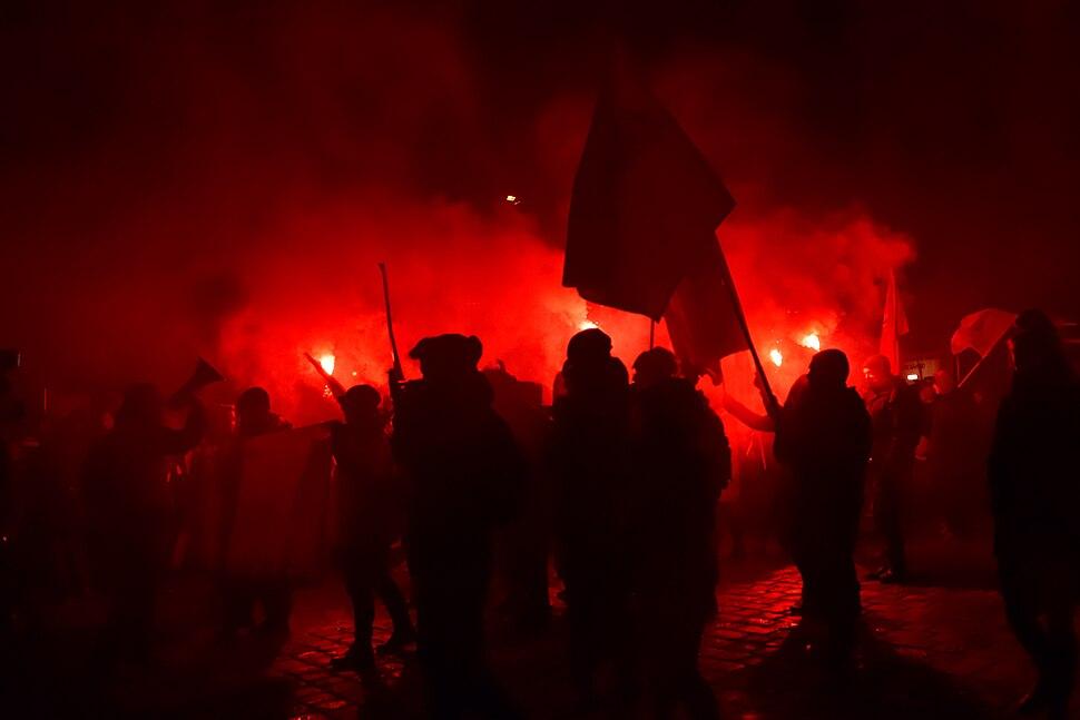 Wien - Anti-Akademikerball-Demo der Offensive gegen rechts - IIIb