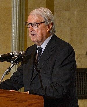 William vanden Heuvel - vanden Heuvel speaking in 2014