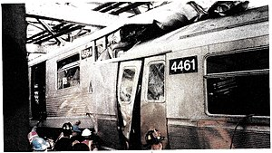 Williamsburg Bridge collision, June 1995.jpg