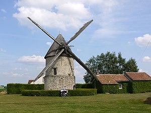 English: Windmill Choix near Gastins, Seine et...