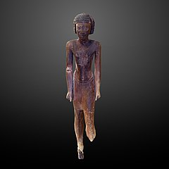 Wooden statue of a man-E 32 884