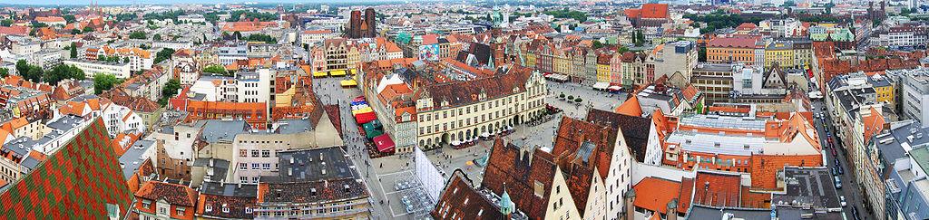 Point de vue panoramique depuis l'église Saint Elisabeth à Wroclaw