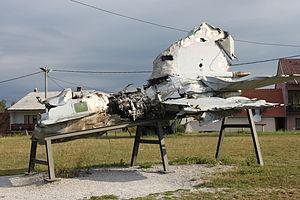 Yugoslav Air Force MiG-21bis wreckage.jpg