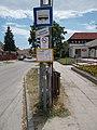 'Szigethalom, Szabadkai úti iskola' bus stop, 2019 Szigethalom.jpg