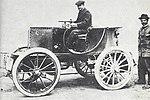 Étienne 'Gaudry' Giraud, troisième de Paris-Amsterdam-Paris 1898 sur Bollée 'Torpilleur' (à droite Amédée Bollée fils).jpg