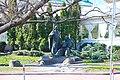 Київ, вул. П. Сагайдачного 27-Б, Паркова скульптура «Запорожці».jpg