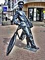 """Скульптура """"Почтальон с велосипедом"""".jpg"""