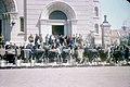 青岛天主教堂门前的人力车 约1948年.jpg