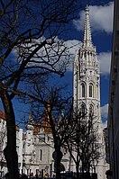03 2019 photo Paolo Villa - F0197872 - Budapest - Chiesa San Mattia e Monumento Santa Trinità - Holy Trinity column - Facade of Matthias Church (Budapest).jpg