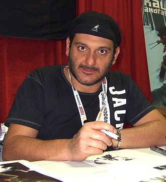 Simone Bianchi (artist) - Simone Bianchi at the 2012 New York Comic Con