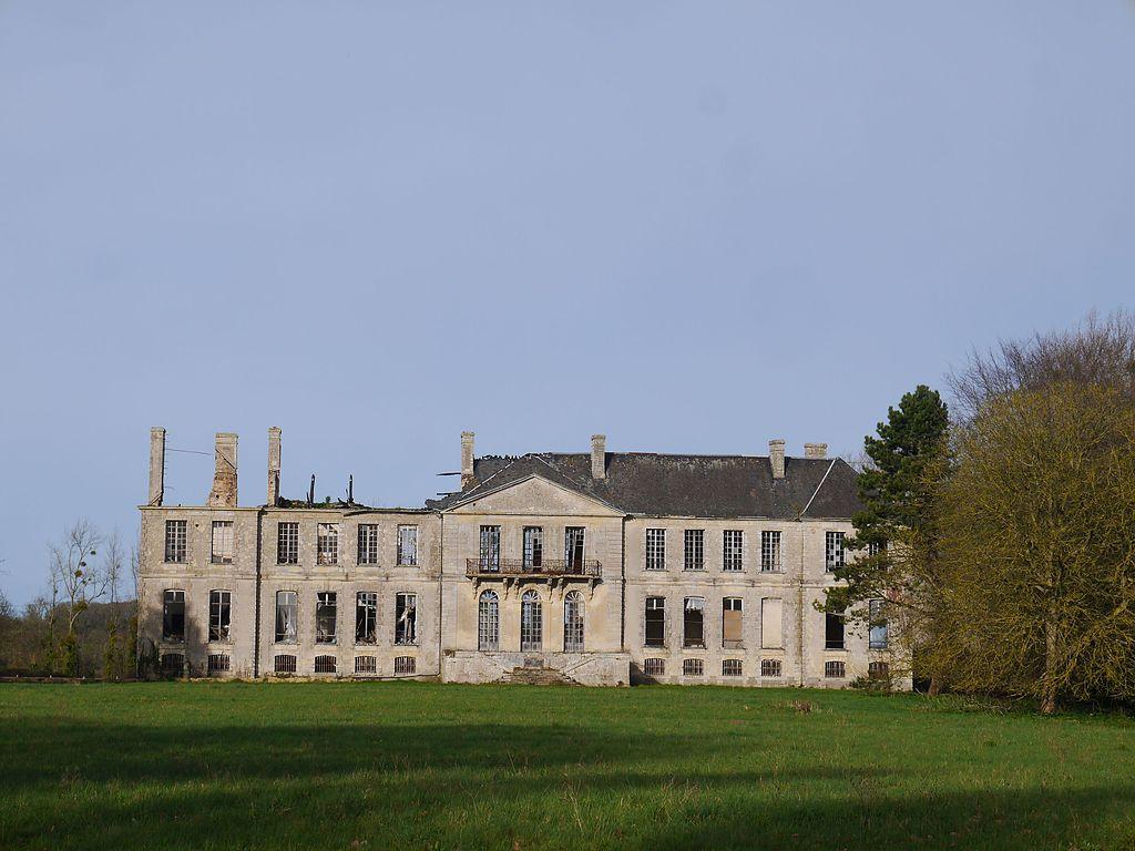 14 Magny-en-Bessin château 2017.jpg