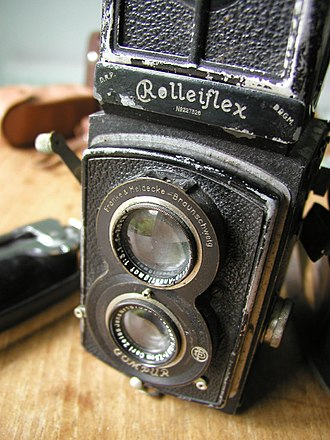 Cecil Beaton - A 1932 Standard Rolleiflex, a type of camera used by Beaton
