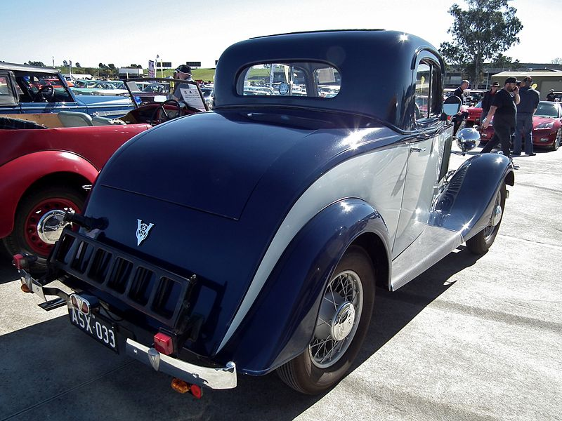 File:1933 Vauxhall ASX 14 Six coupe rear.jpg