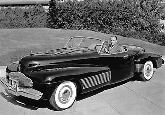 Buick Y-Job - Harley Earl in the Buick Y-Job, 1939