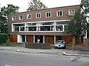 1 2 3 Willow Road Hampstead London 20050924.JPG