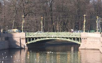Й садовый мост