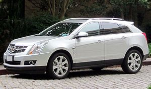 Cadillac SRX - Image: 2010 2012 Cadillac SRX 05 23 2012