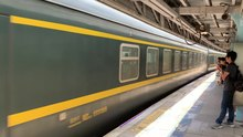 File:25T passing through University Station at 201908041340.webm