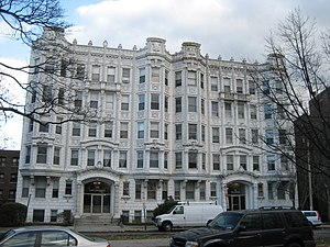 Fenway (parkway) - The ornate facades of the buildings at 80 and 84 Fenway.