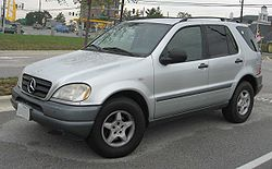 97-01 Mercedes-Benz ML320.jpg