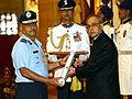 AVM SC Chafekar presented with Ati Vishisht Seva Medal at Rashtrapati Bhavan in 2015.jpg