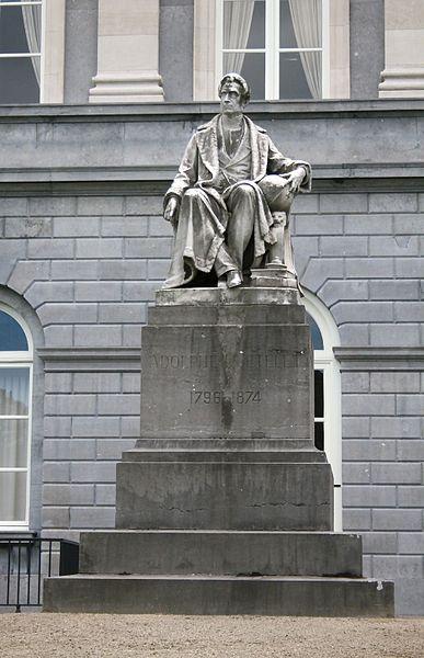 Bestand:Adolphe Quetelet Standbeeld.jpg