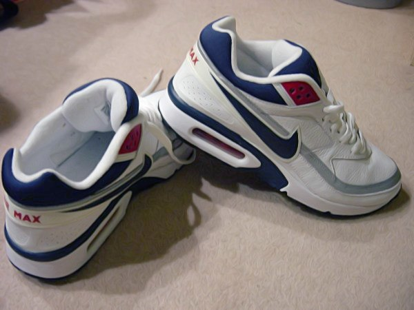 The Air Max IV Air Max 91  nowadays known as the Air Max BW (Big Window) e3fc16a6ff4e