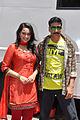 Akshay and Sonakshi promote 'Rowdy Rathore' on the sets of CID (4).jpg